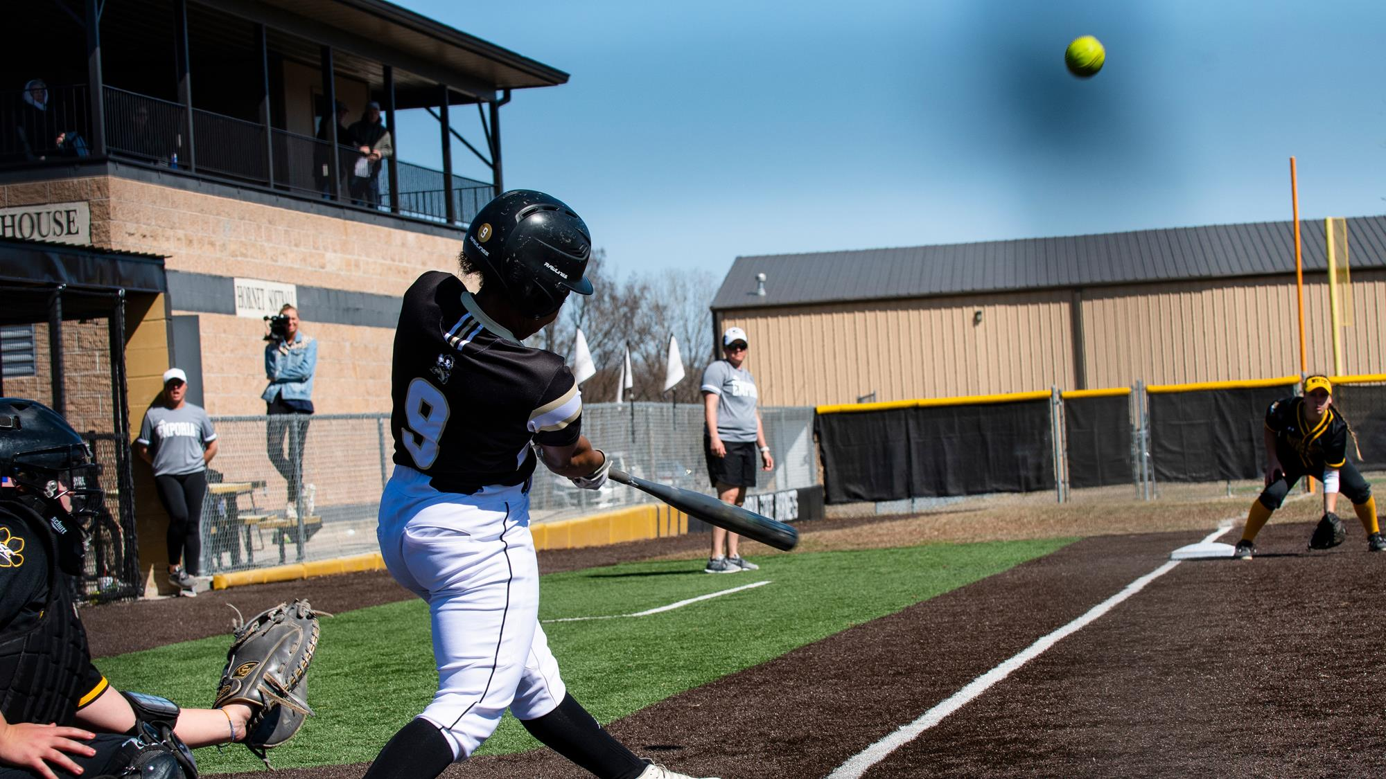 EMPORIA STATE GETS TWO WINS ON THURSDAY AT REGIONAL CLASSIC